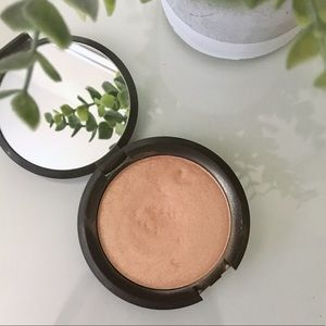 BECCA Shimmering Skin Perfector- Champagne Pop
